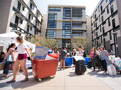 Students move in to student housing